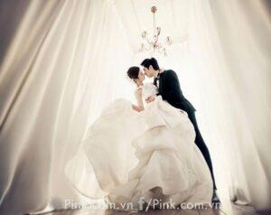 HOT! Chụp ảnh cưới trong studio khuyến mại cho các cặp đôi