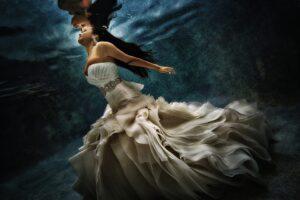 Chụp ảnh cưới nghệ thuật nổi bần bật như ảnh nghệ thuật