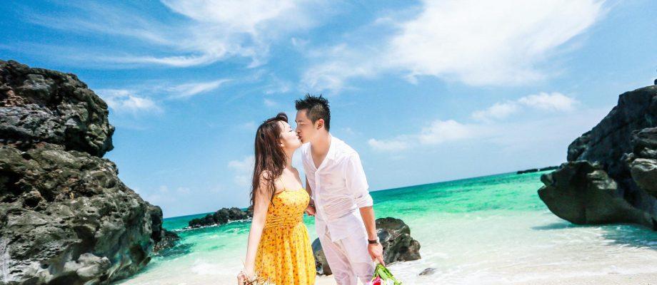 Chụp ảnh cưới trên bờ biển LÃNG MẠN và SÔI ĐỘNG